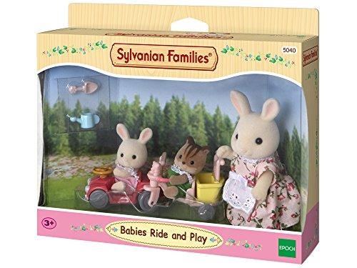 Sylvanian Families 5040 Babys Fahr und Spiel-Set, Mehrfarbig