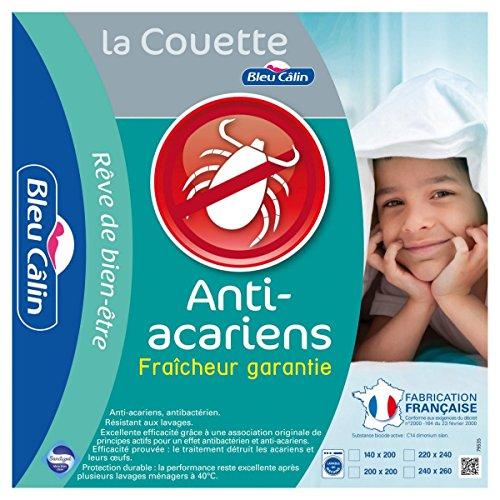 bleu-calin-couette-anti-acariens-sanitized-blanc-140x200-cm-kms40