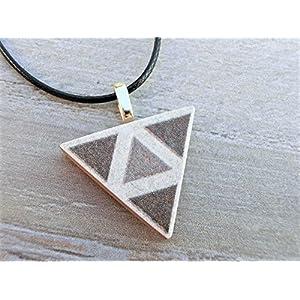 Kette Anhänger Design Modeschmuck Schmuck Geschenkidee DIY Handmade handgemacht Handarbeit aus Keramik Mosaik Fliesen Unikate individuell Dreieck edel braun beige Dreieck