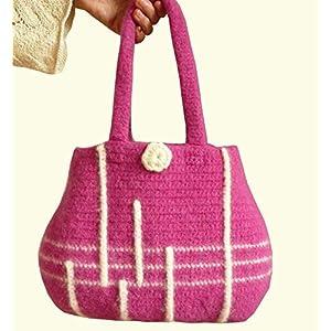 Handtasche Damentasche gehäkelte Tasche gefilzte Tasche Henkeltasche fuchsia aus hochwertiger Wolle.
