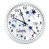 Wanduhr mit Wunsch- Namen für Kinderzimmer ; einzigartige Kinderuhr ; Rahmen weiß ; Kinder Wanduhr mit oder ohne Namen auf Wunsch personalisiert ; Uhr - Motiv Sterne blau Junge