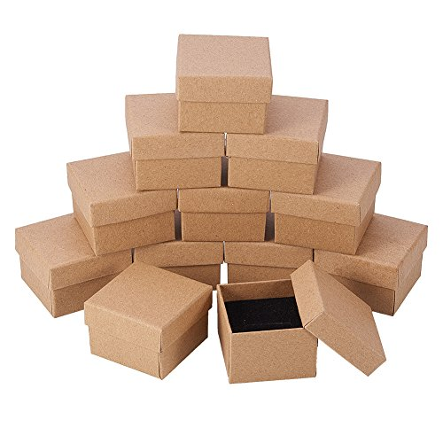 NBEADS 24PCS Kraft Brown Square Karton Schmuck Ring Boxen Papier Einzelhandel Geschenkbox für Jubiläen, Hochzeiten oder Geburtstage, 5x5x4cm