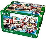 BRIO World 33052 Straßen und Schienen Bahn Set Deluxe - Schienenset für die BRIO Eisenbahn mit Spielmatte - Kleinkindspielzeug empfohlen ab 3 Jahren
