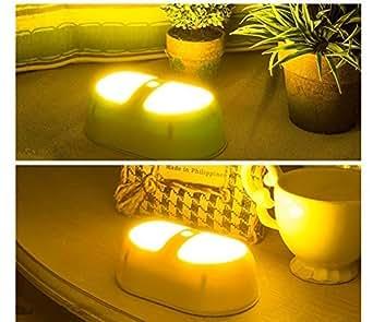 OxyLED® T-05 LED Luce Notturna Con Sensore (a Batteria, Attacca Dovunque) Luce da Parete Perfetta per Bagni, Scantinati, Corridoi, Lavanderie, Camere, Scale, Passaggi, Armadi Smart Nightlight per la Camera dei Bimbi--- Miglior Valore per la Cura dell' Occhio,Luce Gialla