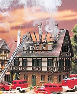 Vollmer 7738 N - Brennendes Haus: Amazon.de: Spielzeug