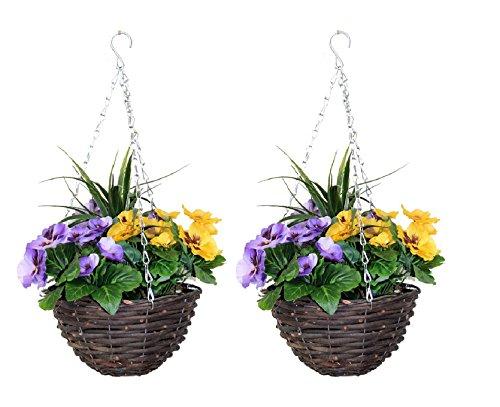 Cestini da appendere con fiori di colore viola e giallo artificiali e erbetta decorativa (set da 2)