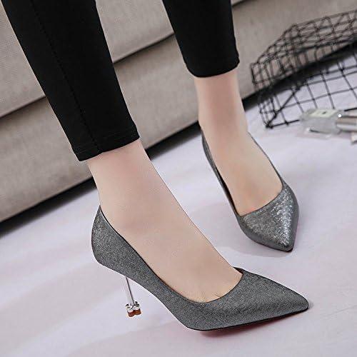 Xue Qiqi Pequeño de ninguna manera lograron mantenerse al margen y zapatos de tacón alto-adolescente a la luz...