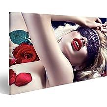 Cuadro Cuadros Hermosa mujer rubia con máscara de encaje negro sobre los ojos está en Rosen Impresión sobre lienzo - Formato Grande - Cuadros modernos