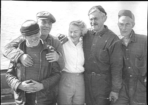 vintage-photo-of-the-rescued-crew-of-oaxen-30-deckhand-johansson-captain-nordstrom-kockan-ahlqvist-b
