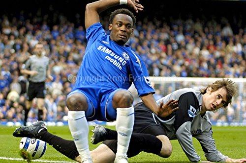eine Fotografische Print Foto von Chelsea FC Playe Michael Essien V Everton Player Kevin KILBANE Stamford Bridge London Landschaft Foto Farbe Bild Art Print oder fPoster 22,9 x 15,2 cm
