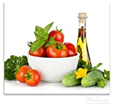 Wallario Herdabdeckplatte / Spitzschutz aus Glas, 1-teilig, 60x52cm, für Ceran- und Induktionsherde, Frische Salatzutaten mit Kräuter-Öl - Tomaten, Gurke, Petersilie