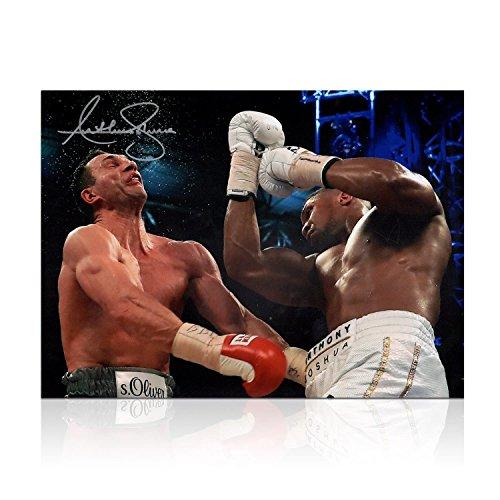 Exclusive Memorabilia Boxing Foto von Anthony Joshua unterzeichnet: der Klitschko Punsch