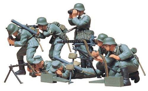 Tamiya 300035038 - 1:35 WWII Figuren-Set Deutsche MG Truppen (7) (Militär Figuren)