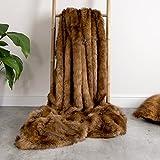 Manta de piel sintética de lujo de ICON – OSO PARDO, 150x200cm - suaves, extra-grandes - cobija para el sofá en la sala de estar o Cubrecamas decorativo tamaño King para el dormitorio - marrón