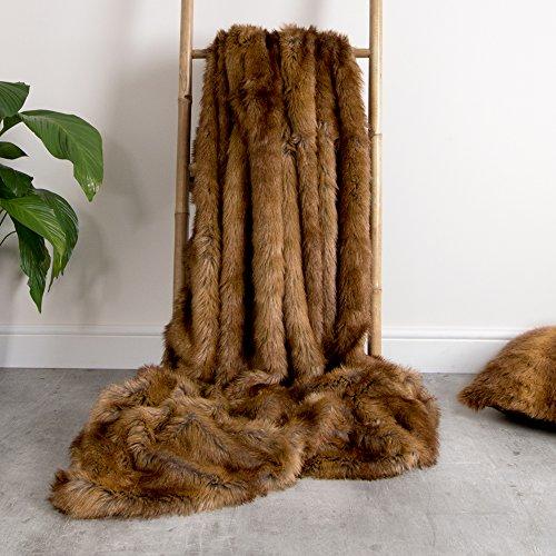 ICON Luxus Kunstpelz Überwurf – Braunbär - 150cm x 200cm - Weich und Extra groß – Ein Überwurf für Wohnzimmer oder Schlafzimmer – groß und dekorativ in unserem Luxus Braunbär Kunstpelz