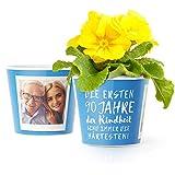 90.Geburtstag Geschenk - Blumentopf (ø16cm) | Deko Geburtstagsgeschenk für Mann, Frau, Oma oder Opa mit Rahmen für zwei Fotos (10x15cm) | Die ersten 90 Jahre Kindheit sind immer die härtesten!