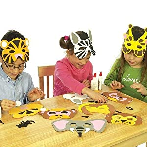 Baker Ross Jungle Animal Foam Mask Kits — Ideal Craft for Kids to Make and Wear as an Accessory for Halloween Costumes, Fancy Dress, Parties and More (Pack of 6)