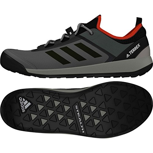 adidas  Terrex Swift Solo, Chaussures d'Escalade homme Gris (Grivis/negbas/energi)
