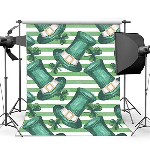BuEnn 5X7FT Glücklicher St.Patrick-Tag-Hintergrund Glücklicher Irischer Kleeblatt Grüner Klee Koboldhut Weiße Streifen Tapete Cartoon Frühling Vinyl Fotografie Hintergrund Erwachsene ST35