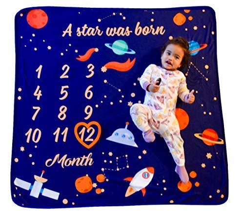Nool Baby Products Couverture pour bébé avec cadre en forme de cœur, ruban blanc, carte cadeau en bonus pour nouveau-né avec suivi de croissance mensuel, mignon, grand (119,4 x 119,4 cm), doux, neutre