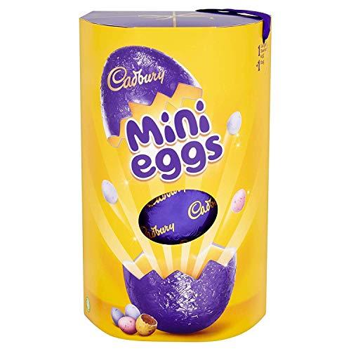 Descripción del producto Cadbury Mini Eggs Huevo de Pascua de Chocolate Grande 256g. Huevo de chocolate con leche hueca en una cáscara de azúcar crujiente. Nuestros granos de cacao se obtienen a través del programa Cocoa Life Sustainability.Ingredien...