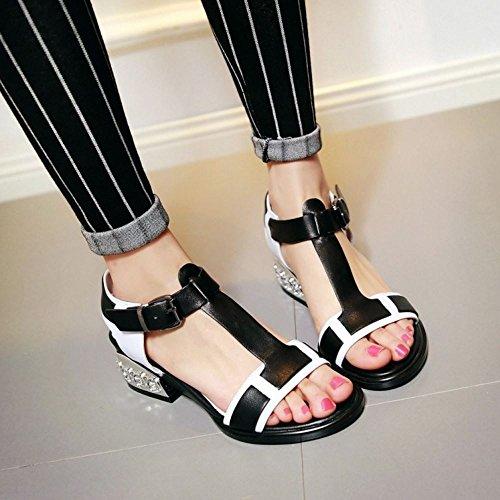TAOFFEN Femmes Elegant Peep Toe Sandales Bloc Talons Moyen T-strap Chaussures De Boucle Noir Brillante