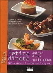 Petits Diners Autour d'une Table Basse