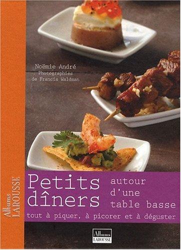 Petits Diners Autour d'une Table Basse par Boyer -B