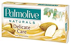 SOAP PALMOLIVE DELICATE CARE WITH ALMOND MILK 3X90G - 3 X 90G