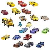 Il tuo piccolo non vedrà l'ora di creare la sua collezione definitiva di Disney Pixar Cars 3 con questo mega set da gioco dei personaggi del film! Questo magnifico set contiene 20 personaggi ricchissimi di dettagli e supercolorati.