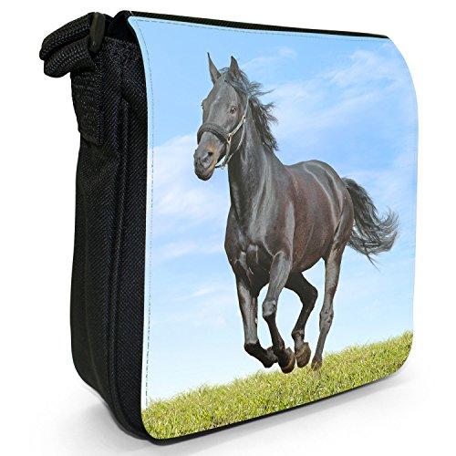 Pferd Hengst stark schön Schwarz Kleine Schultertasche aus schwarzem Canvas Schwarzes Pferd rennt auf grünem Gras