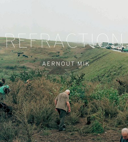 Aernout Mik: Refraction by Andrea Inselmann (2005-08-06)