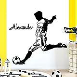 Grandora W5477 Sticker mural pour chambre d'enfant Motif joueur d'équipe de football avec nom personnalisable Instructions de collage illustrées (français non garanti), vert gazon, (BxH) 91 x 90 cm