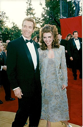 Vintage photo of Arnold Schwarzenegger together with his wife Maria Shriver at the Academy Awards in (Award Academy)