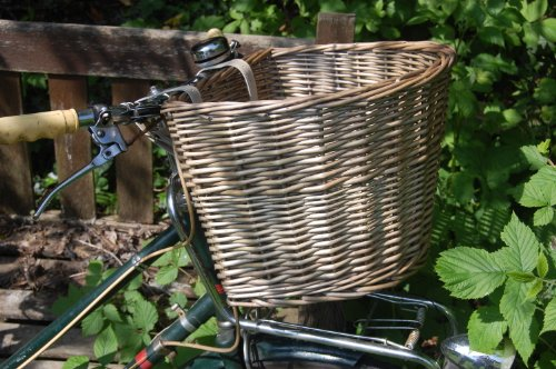 new-handmade-vintage-style-traditional-wicker-bicycle-front-basket-antique-wash-finish-with-cream-le