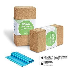 KUYOU Yoga Blöcke (2Kork) Plus Gurt Cork Yoga Bricks Natur Umweltfreundlich 22,9x 15,2x 7,6cm Yoga Blocks Bricks Set Set, Starter Kit, Anfänger Kit, Jede Art von Yoga Styles