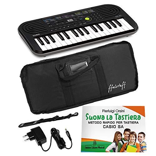 Kit Pianola Tastiera Casio SA47 (Fondo grigio) con Borsa, Alimentatore e Metodo'Suona la Tastiera'
