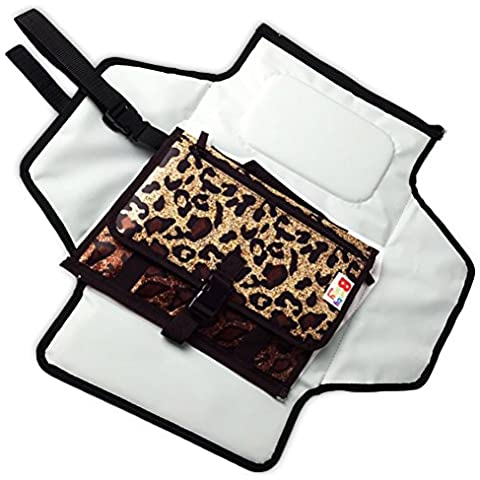 Bunty cambiador es una estación portátil de viaje única. Este pañales de alta calidad Embrague impermeable y despliega a un cambiador acolchado. Es un elegante alternativa a voluminosos pañales bolsas.