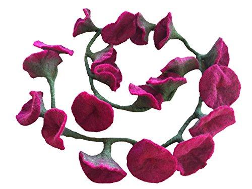 One World is Enough Handgemachte Girlande aus 20 Filz Blumen - Rot, Fairtrade - Jede Blume misst 12 cm im Durchmesser, Girlande ist ca. 150 cm lang. Handgefertigt in Kathmandu, Nepal.