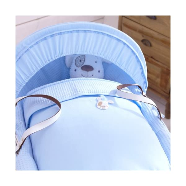 Izziwotnot Gift Blue  on Dark Wicker Moses Basket Izziwotnot Lightweight and sturdy, it is finished with leather handles and can be moved around the home with you to keep baby close A stylish, fresh blue moses basket, with simple tone on tone textures and a fresh white basket Creates the perfect sleeping environment for the baby 2