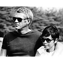 Steve McQueen en camiseta y Persol Shades con Neile McQueen 10x 8fotografía de promoción