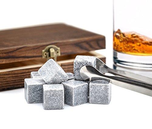 """9er Set Whisky-Steine Premium Selection in edler Box Geschenk Set Whiskysteine für Getränke """"on the rocks"""" Eiswürfel Kühlsteine Whiskeysteine in Holzbox mit Samtbeutel und Zange von der Marke PRECORN"""