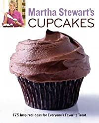 (MARTHA STEWART'S CUPCAKES: 175 INSPIRED IDEAS FOR EVERYONE'S FAVORITE TREAT) BY STEWART, MARTHA(AUTHOR)Paperback Jun-2009