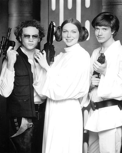 Moviestore Danny Masterson als Steven Hyde unt Laura Prepon als Donna Pinciotti in That '70s Show 36x28cm Schwarzweiß-Foto