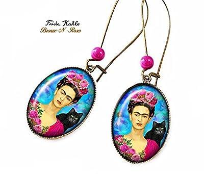 Boucles d'oreilles .Frida.Kahlo. et le chat artiste peintre bronze-n-roses cadeau