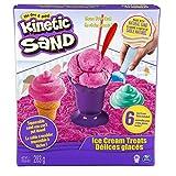 Fai la tua molto proprio Tratta Gelato con Kinetic Sand - la sabbia squeezable si può modellare con le mani! Impacchettarlo, tirarlo, forma e lo amano, Kinetic sabbia è così incredibile non si può mettere giù. E 'trasuda, si muove e si scioglie davan...