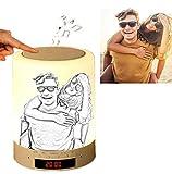 Benutzerdefiniertes Foto Nachttischlampe mit Bluetooth Lautsprecher, LED Nachtlampe Stimmungslicht mit Dimmer und Touch, Haken Design für Camping, Romantische Geschenke (Skizze)