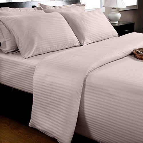 Homescapes 3-teiliges Bettwäsche-Set, Bettbezug 240 x 220 cm mit 2 Kissenbezügen 80 x 80 cm, 100% ägyptische Baumwolle mit Satin-Streifen, Fadendichte 330, Flieder/zartes lila - 100% Ägyptische Baumwolle Streifen