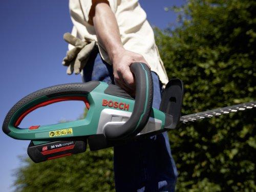 Bosch DIY Akku-Heckenschere AHS 54-20 LI, Akku, Ladegerät, Karton (36 V, Akkuladezeit 45 Min, Schwertlänge: 540 mm, Messerabstand: 20 mm, 3,5 kg) -