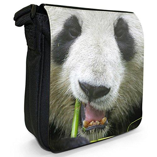 Panda piccolo nero Tela Borsa a tracolla, taglia S Close Up Of A Panda's Face